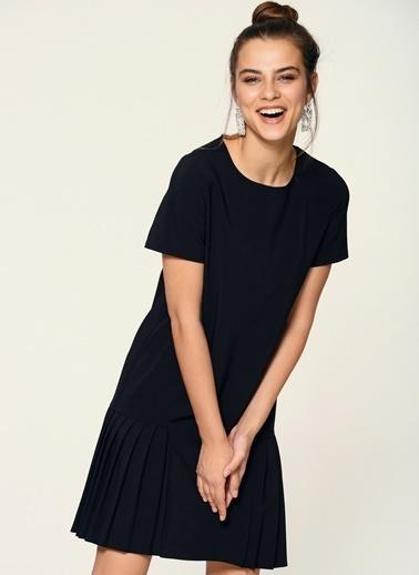 Loves You Eteği Piliseli Kısa Kol Elbise Siyah
